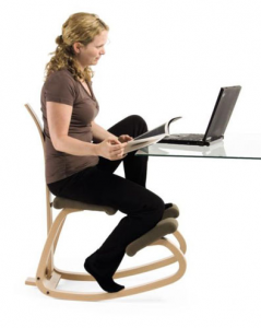 Kneeling chair vs yoga ball which ergonomic solution is for Chaise ergonomique genoux